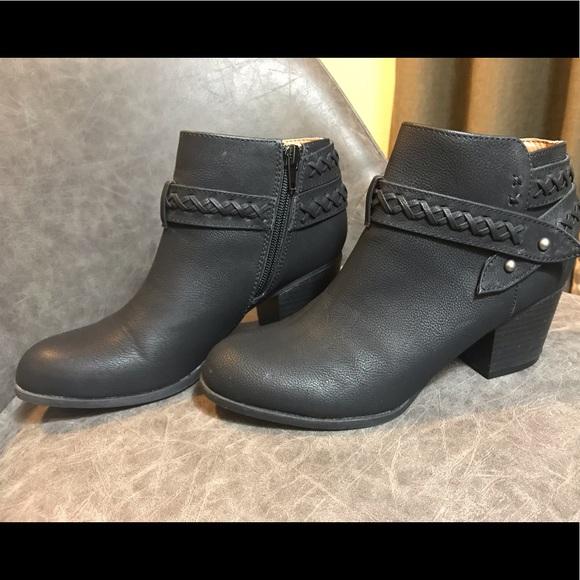 Indigo Shoes - Indigo Rd. black booties
